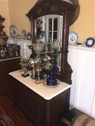 Unreserved Real Estate & Antiques, 1,000+ Kerosene & Oil Lamps Auction - 10