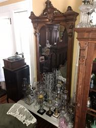 Unreserved Real Estate & Antiques, 1,000+ Kerosene & Oil Lamps Auction - 36