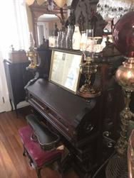 Unreserved Real Estate & Antiques, 1,000+ Kerosene & Oil Lamps Auction - 46