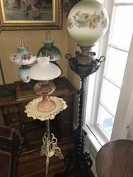Unreserved Real Estate & Antiques, 1,000+ Kerosene & Oil Lamps Auction - 49