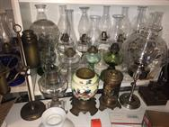 Unreserved Real Estate & Antiques, 1,000+ Kerosene & Oil Lamps Auction - 82