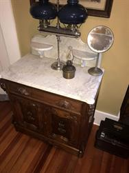 Unreserved Real Estate & Antiques, 1,000+ Kerosene & Oil Lamps Auction - 95