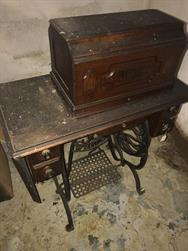 Unreserved Real Estate & Antiques, 1,000+ Kerosene & Oil Lamps Auction - 149