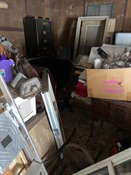 Unreserved Real Estate Auction & Contents of House & Garage to be Auctioned in Bulk! - 106514